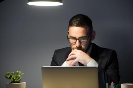 Проверить надежность делового партнера поможет информация, предоставляемая госорганами